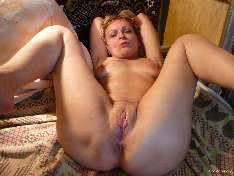 porno-foto-obichnie-zhenshini-mi-ey-zasunuli-dva-huya-v-odnoy-dirke